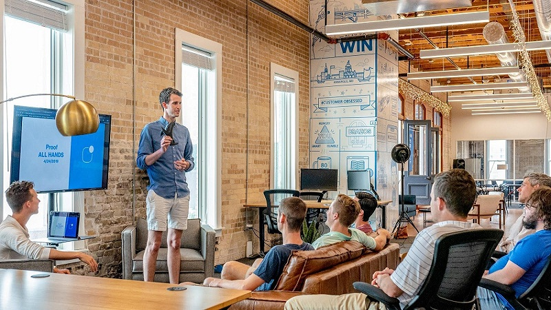 Starting a Company: 5 Important Lessons to Learn from Industry Leaders